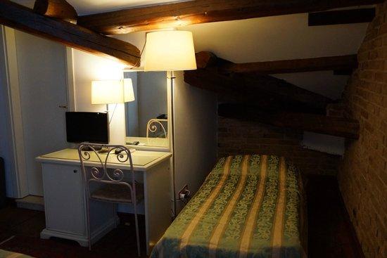 Villa Casanova: Third roll-away bed