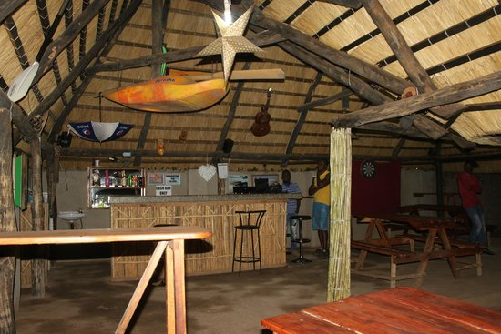 Zinga Backpackers: Bar