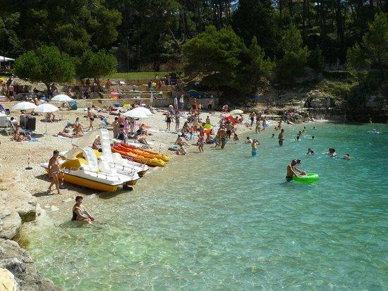 Hotel Pula: A hotel strandja