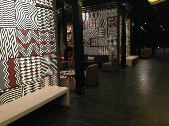 Nyungwe Forest Lodge : magnifique hall et salon-lounge