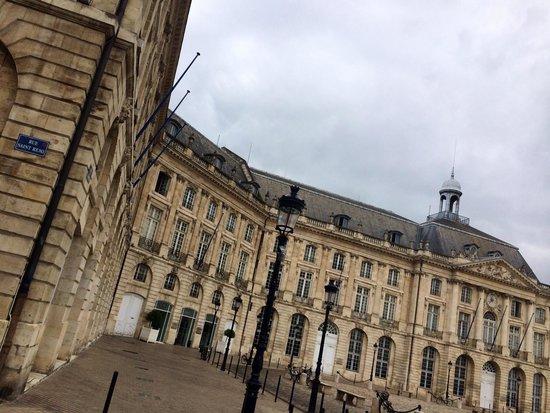 Place de la Bourse (Place Royale): Gorgeous