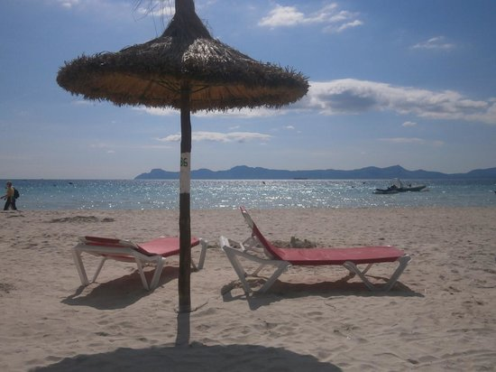 PortBlue Club Pollentia Resort & Spa: Lovely beach - nice and quiet in early season!