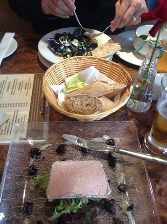 Francine's: Pate and the Mussels