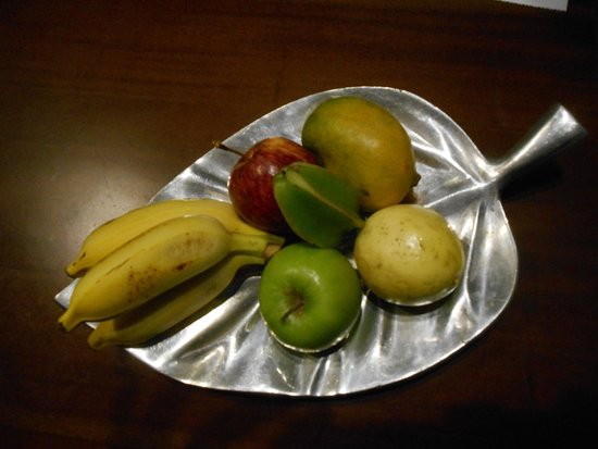 AVANI Kalutara Resort : Warm welcome / fruit platter
