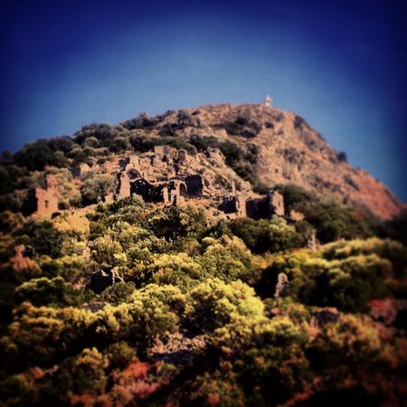 Bahar: Ruins of Saint Nicholas Island