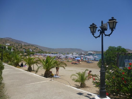 Elounda Residence: Beach in town