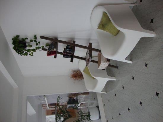 Sureda Apartments: Reception