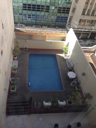 Hotel Sol Belo Horizonte: Visão da piscina da UH 703