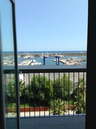 Hotel Atenea Port Barcelona Mataro : vue de la chambre sur le port