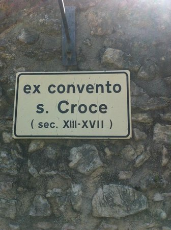 Convento di Santa Croce: insegna