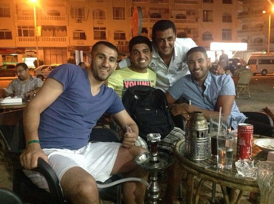 The Grand Hotel Hurghada : Top Promoter mit dem weißem Hemd