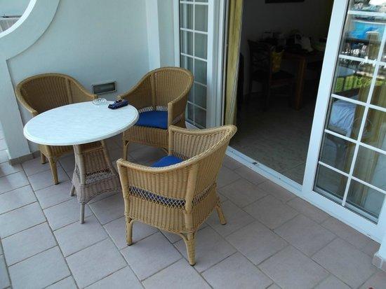 Inturotel Sa Marina: Balkon mit Sitzgelegenheit und Handtuchhalter (nicht sichtbar)