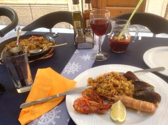 Restaurante La Lonja : паэлья и сангрия