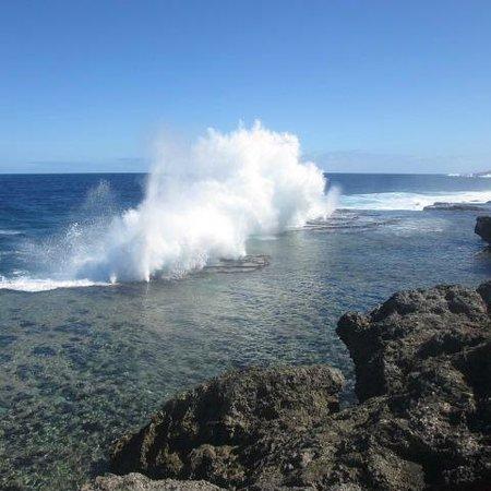 White Sands Beach Resort: Blowholes