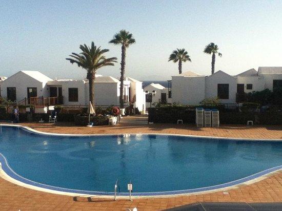 TUI Family Life Flamingo Beach Resort: Look from reception into hotel