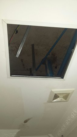 Im Malis Hotel: Missing roof hatch