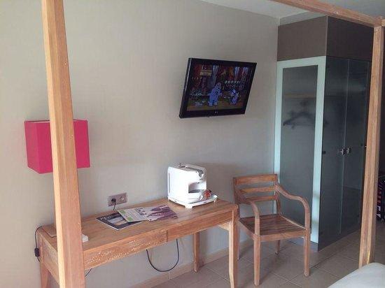 Hôtel La Pagerie : Le petit coin bureau