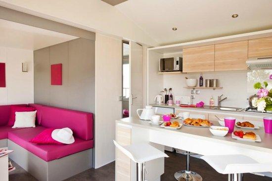 Domaine de Soleil Plage: Cottage Lounge