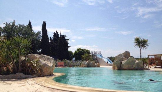 Le Mediterranee Argeles : Piscine du med avant notre cours d'aquabiking , on adore !