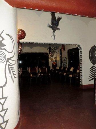 Amboseli Serena Safari Lodge: Зона отдыха и небольшой конференц-зал