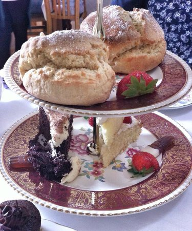 The Granary at Fawsley: Fathers day afternoon tea - scones and cakes