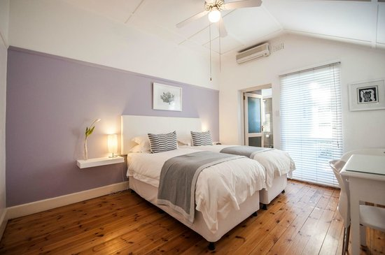 Ballinderry, The Robertson Guest House: Standard twin or double room in main house