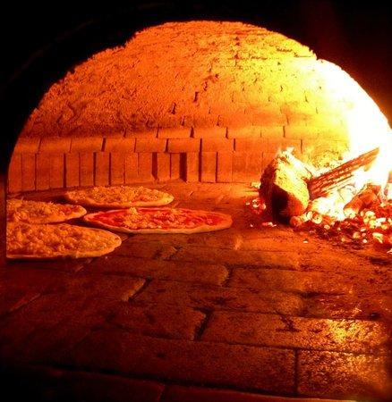 Pronto Pizza: forno a legna