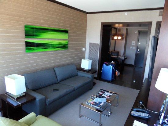 Vdara Hotel & Spa: Lounge & Kitchen Diner