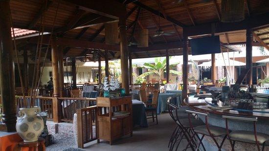 Le Duc de Praslin: Restaurant principal et bar