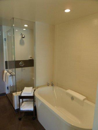 Vdara Hotel & Spa: Bathroom