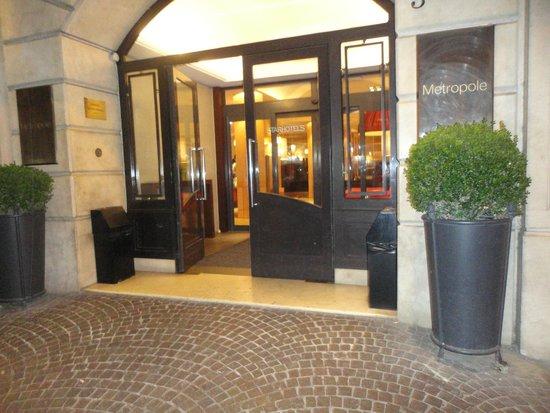 Starhotels Metropole: entrance