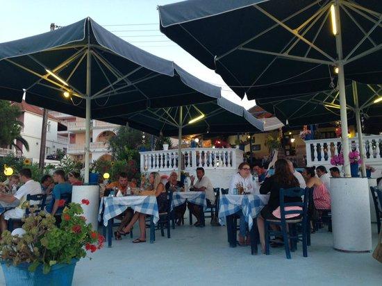 Ammoudi Fish Tavern: Amoudi Taverna