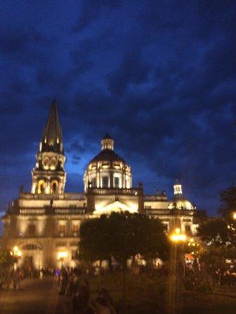 Catedral: Atardecer de verano