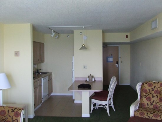 Amara Cay Resort: Espace cuisine salle à manger