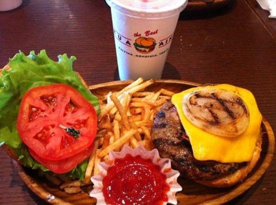 Kua 'aina Aqua City Odaiba: Bacon Burger Gut Bomb