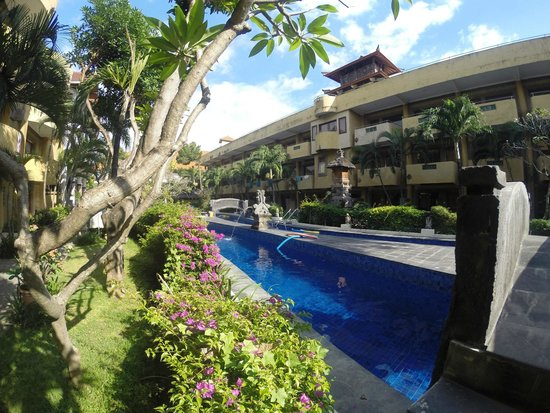 Melasti Legian Beach Resort & Spa: Second swimming pool