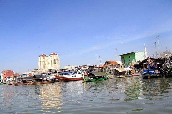 Sunda Kelapa Harbour : Nelayan kecil