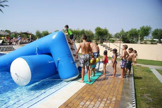 Ohtels Les Oliveres: Trampolin inflable