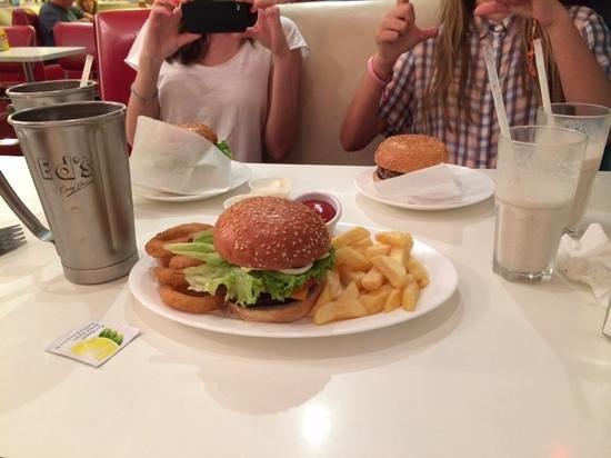 Ed's Easy Diner - Lakeside : milkshakes and burgers!