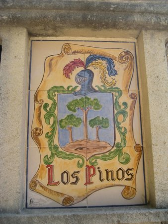 Hostal Los Pinos: sign