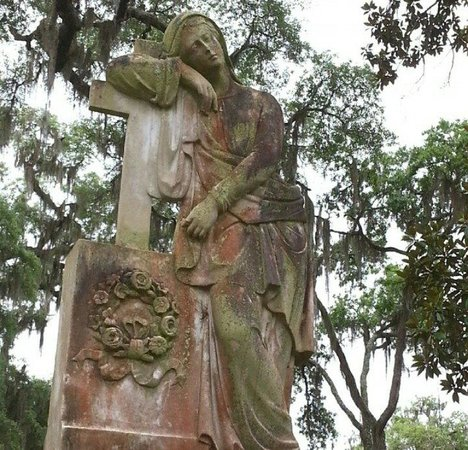 Bonaventure Cemetery: She seems so sad