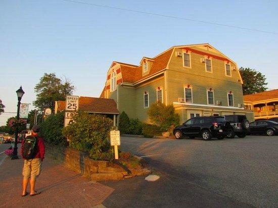 King's Port Inn : côté rue