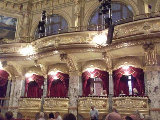 Royal Hall Theatre: Beautiful theatre