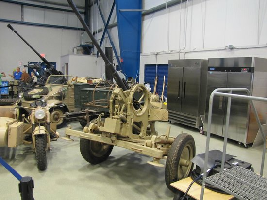 Liberty Aviation Museum: german WW2 firepower