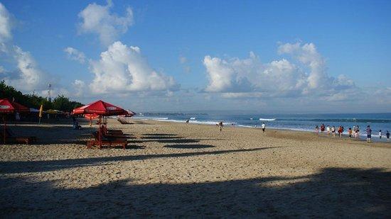 Legian Beach: Beach and the blue sky