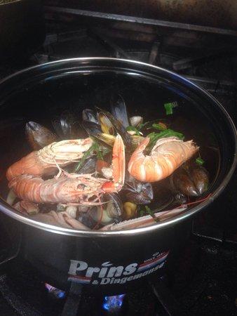 Upstairs @ Joe's: You can't beat a Pot of Irish Shellfish