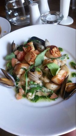 Upstairs @ Joe's: King Scallops with mussels, asparagus and gnocchi