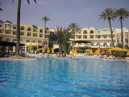 Eden Star Zarzis : vue piscine et restaurant