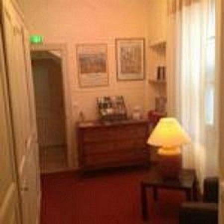 Hôtel le Chalet Fleuri : Petit salon
