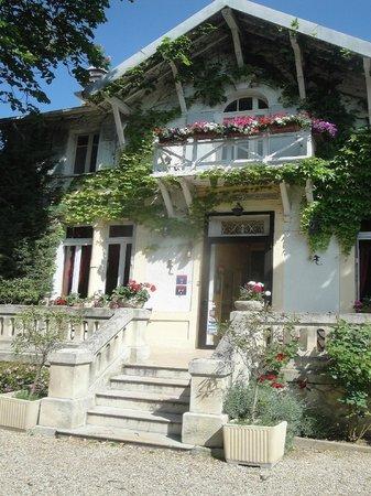 Hôtel le Chalet Fleuri : Façade Chalet
